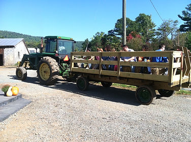 Henley's Orchard - Hay Rides