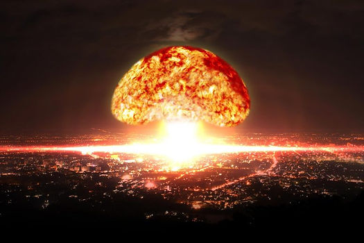 Nuclear-Bomb-Explosion-in-City-777x518.jpg