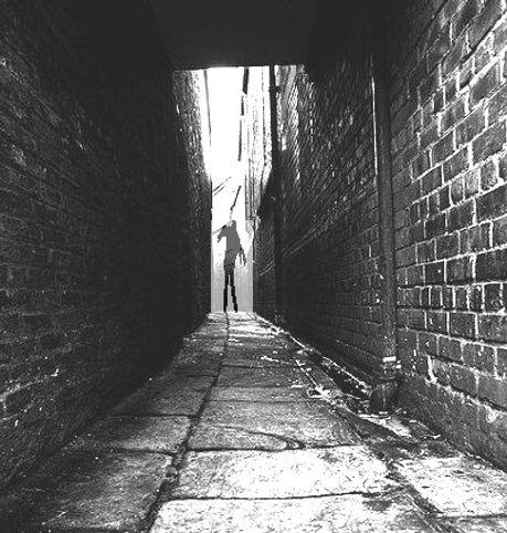 images_Dark-alley 2.jpg