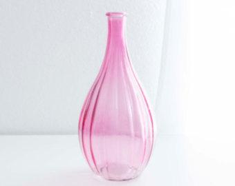 White Teardrop Baby Pink mini Vase