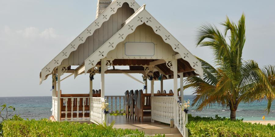 Jewel-Runaway-Bay-Beach---Golf-Resort-Ru