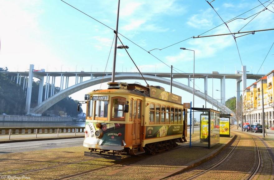 Eletrico_no_Porto_-_Foz_-_Arrábida
