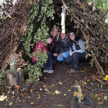 forest-school-training-den-building