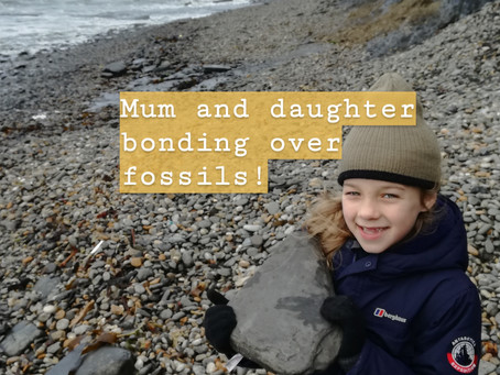 Mum and daughter bonding over fossils!