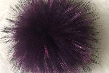 Помпон енот фиолетовый 15-16см