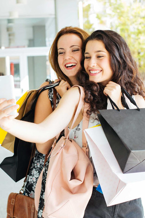 Selfie shopping.jpg