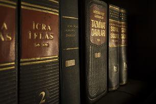 justice-1509437_1920.jpg