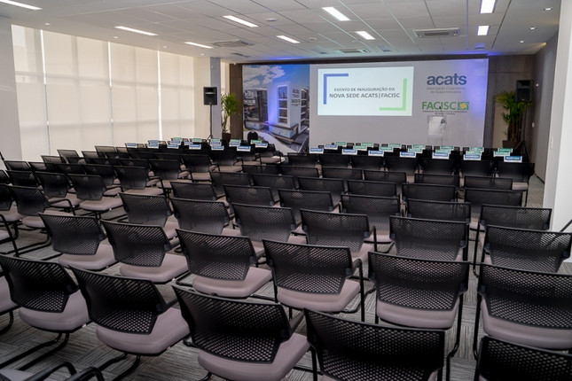 AUDITORIO FACISC.jpg