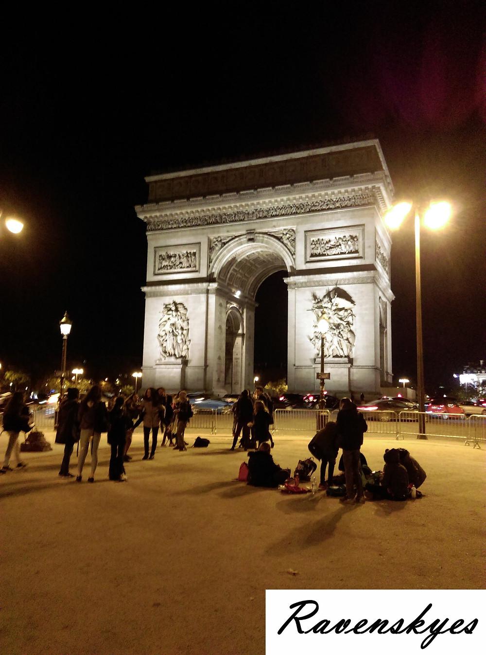 Arc de Triomphe in Paris. Large world famous monument. Ravenskyes