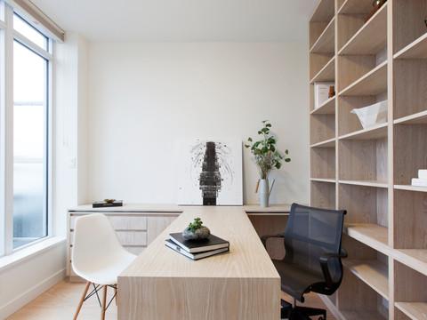 Ngai Penthouse Office