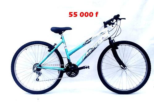 vélo VTT adolescent