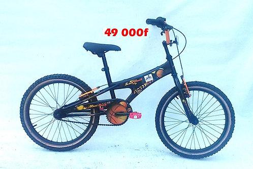 vélo BMX 8 à 18ans