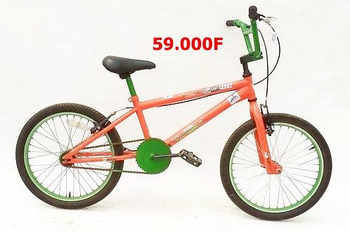 vélo BMX 9 à 16 ans