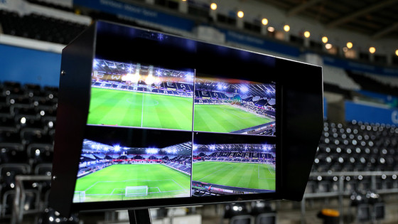 VAR in SHAMBLES after long delays and a Missed Call that makes one wonder if the Fix is in.