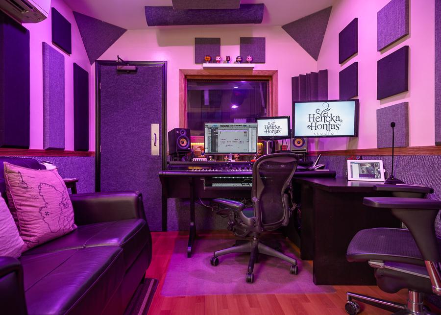 Henckahontas_Studio-1