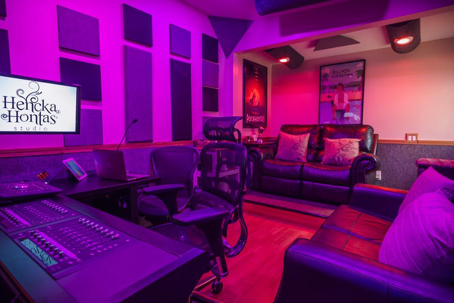 Henckahontas_Studio-8