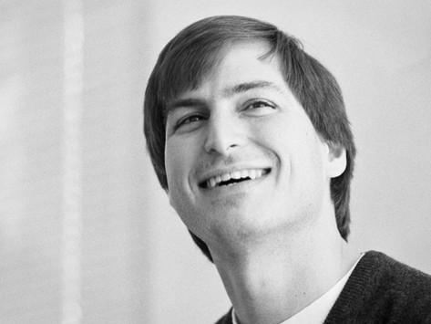 Steve Jobs, o gênio que continua inspirando o mundo, completaria hoje 66 anos