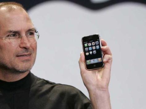 E-mail de Steve Jobs de 2010 confirma que a Apple considerou lançar um 'iPhone nano'