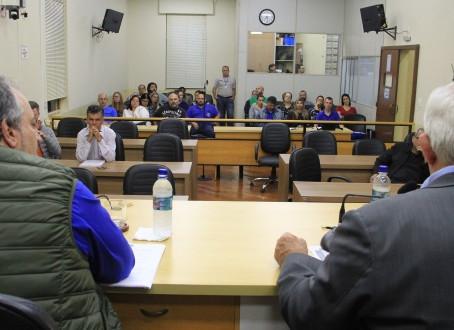 PCCV é contestado por sindicato e servidores da Educação