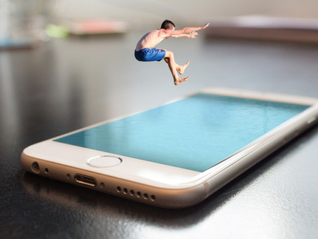 O iPhone é realmente à prova d'água? O que fazer se ele caiu na piscina ou no vaso sanitário?