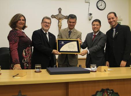 Paulo Dimas Cezar recebe Diploma de Honra ao Mérito