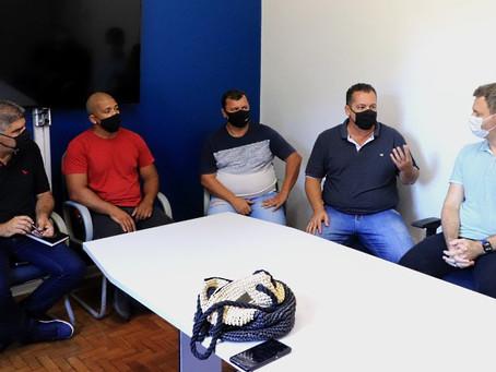 Motorista por aplicativo terá até 1º de março para regularizar sua atuação em Araraquara