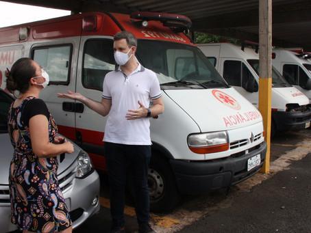 Veículos que transportam pacientes para outros municípios estão em situação precária