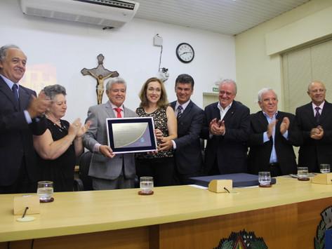 Pedro Paulo Ferrenha, o Nenê, recebe Diploma de Honra ao Mérito na Câmara