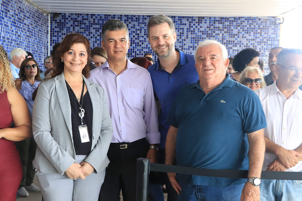 Edna Martins e os vereadores Jéferson Yashuda, Rafael de Angeli e José Carlos Porsani