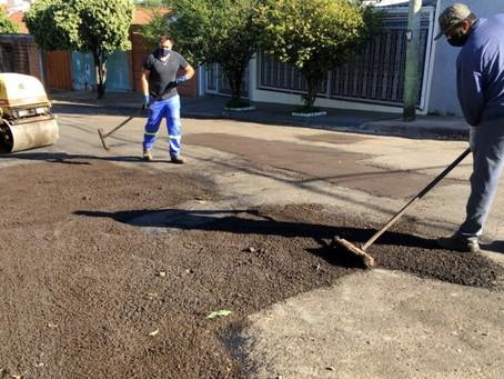 Prefeitura responde sobre buracos 'esquecidos' em reparos asfálticos