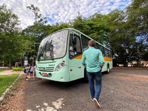 Denúncia: ônibus escolar transporta crianças sem monitor