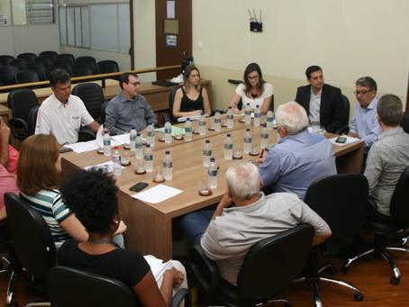 Promotor detalha a vereadores projeto para reinserção de egressos do sistema prisional