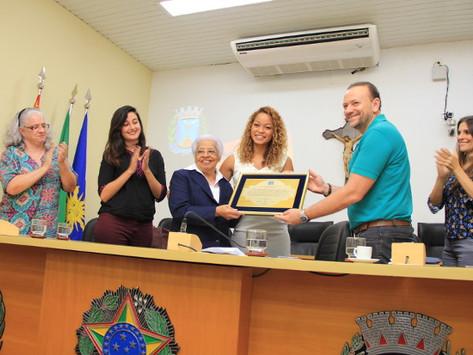 Irmã Edith Costa recebe o 6º Prêmio Heleieth Saffioti