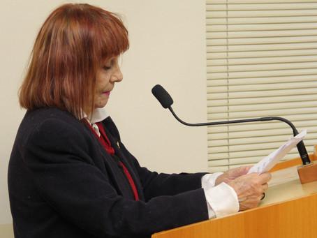 Escritora defende projeto do vereador Rafael de Angeli que institui o Dia Municipal da Literatura