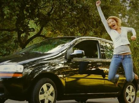 Pé no freio: Concessionária não pode reter veículo para exigir pagamento de conserto