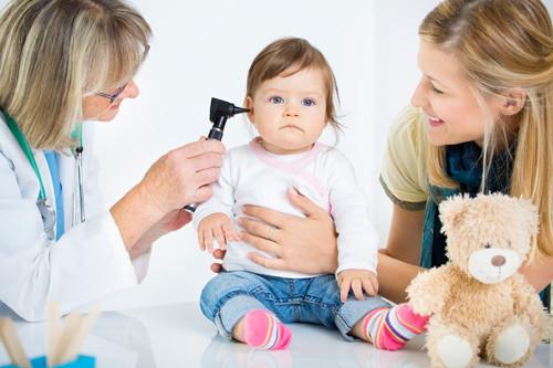 Các Dấu Hiệu Nhận Biết Sớm Khiếm Thính Ở Trẻ Nhỏ