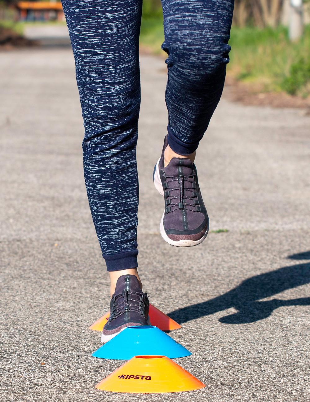 Gyaloglás közben figyeld meg a lábad helyzetét