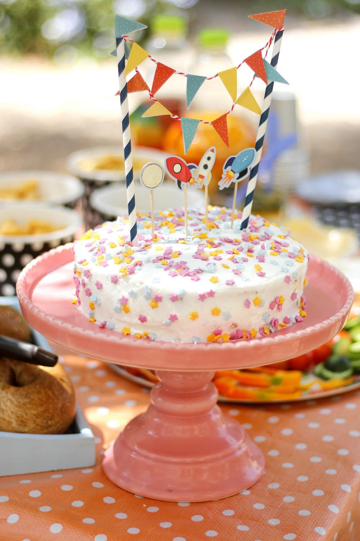 עוגת יום הולדת - מסיבת יום הולדת חלל