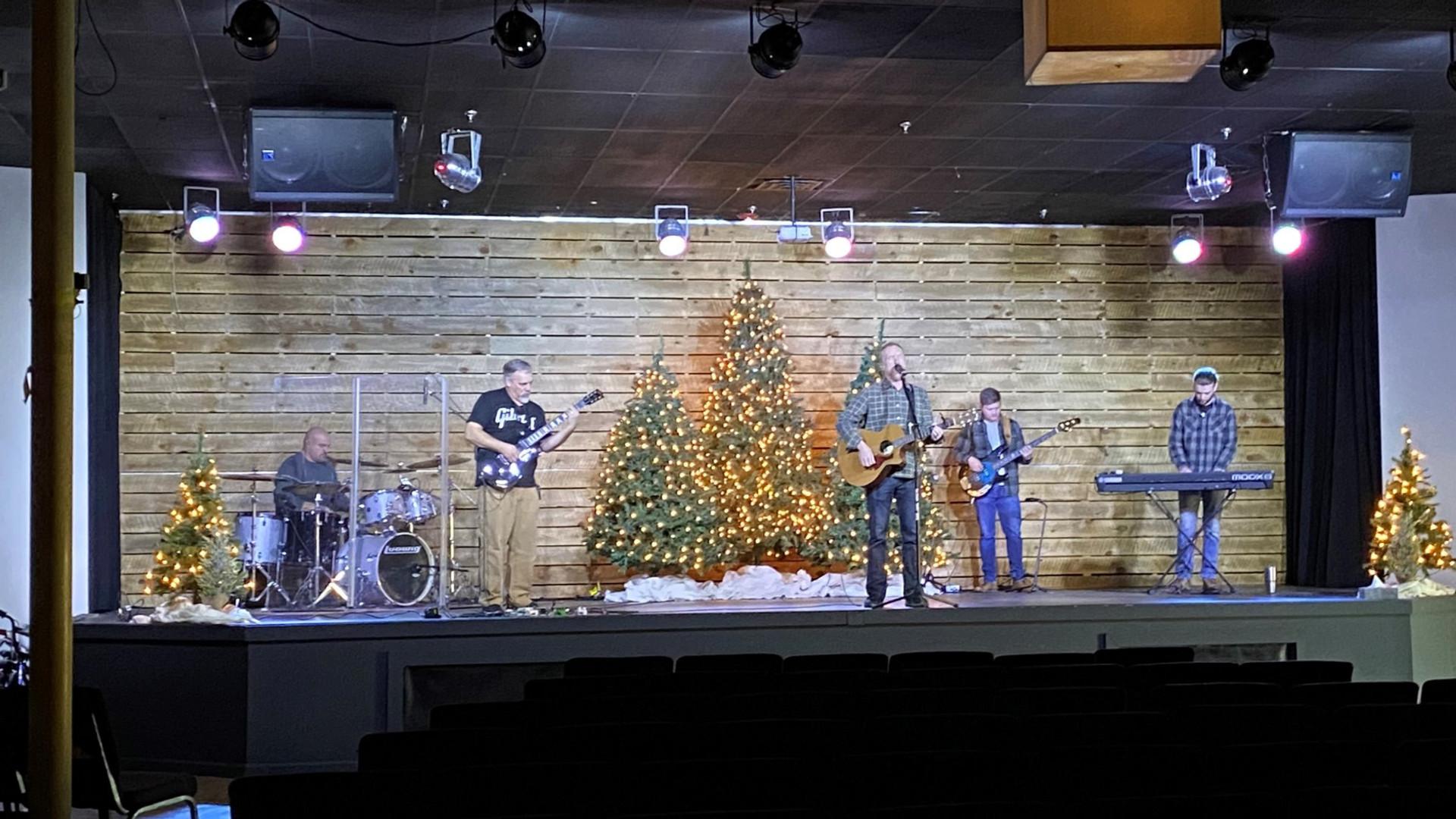 christmas%20band_edited.jpg