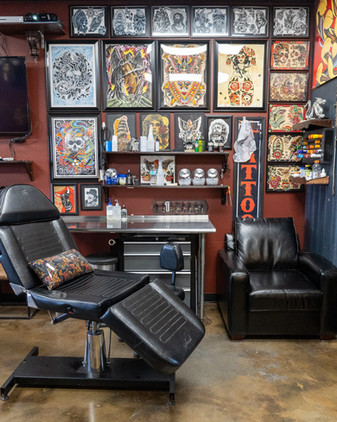 Golden Tarot Ink Club Tatoo Studio in Winter Park Florida