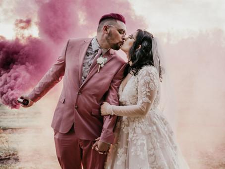 How to use smoke bombs for wedding photography