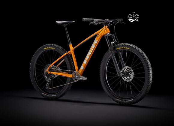 "2021 Trek Roscoe 7 - Factory Orange/Metallic Gunmetal / 27.5"""