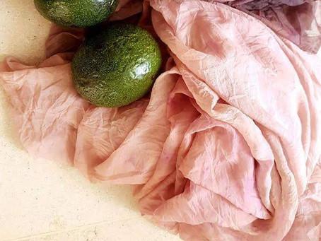 לכבוד עונת האבוקדו  - צבע טבעי ענוג ויפיפה מגלעיני אבוקדו