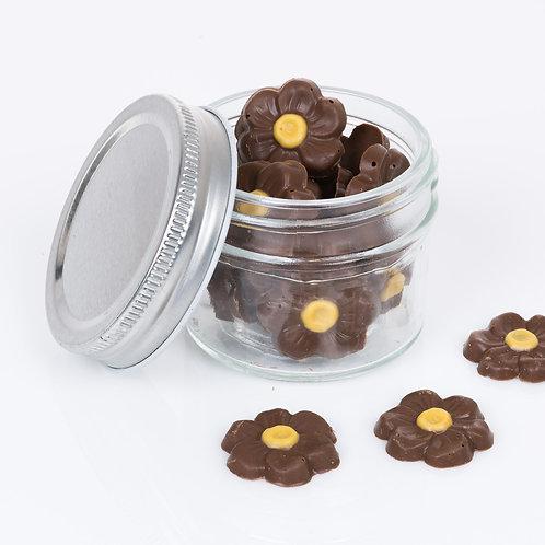 Pote com flores de chocolate