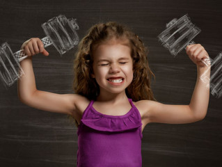 LIFT THE BIG AND LITTLE WEIGHTS