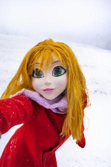 507-YellowHair_Red_Coat_Snow_Selfie_edit
