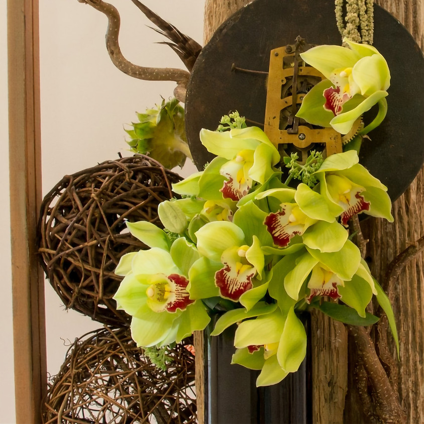Create Your Own Holiday Floral Arrangement