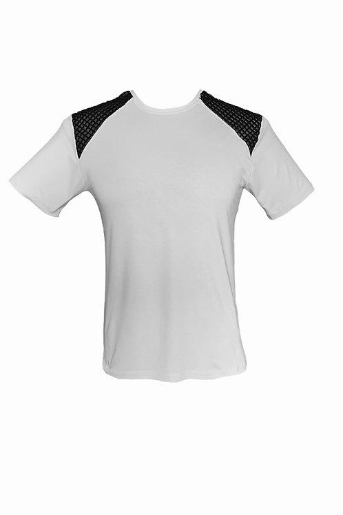 T-Shirt com Renda Guipir no Ombro