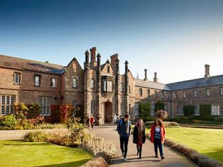 University of York oferece bolsas de estudo para mestrado e doutorado em Gestão