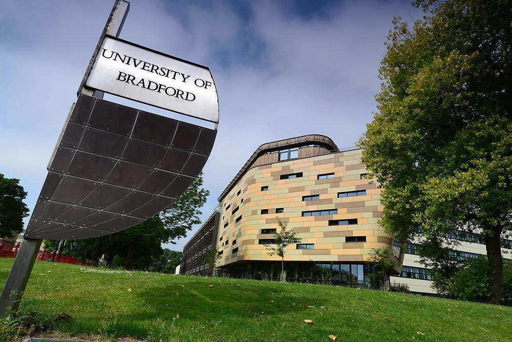 96% das pesquisas da University of Bradford foram classificadas como